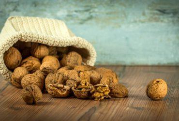 אגוזים מכילים אבץ - טוב לסובלים מאקנה